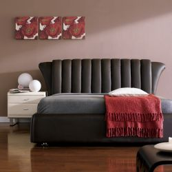 1172  Leather Bed