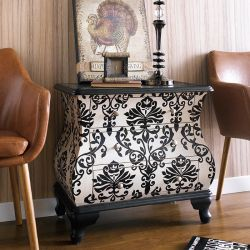 (0) DS-641176  Accent Chest