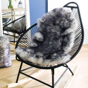 Mary Rug-White/Black  Sheepskin