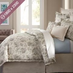 Villa Marcella  Single/Queen Comforter