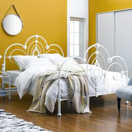 H9421-Q  Queen Metal Bed